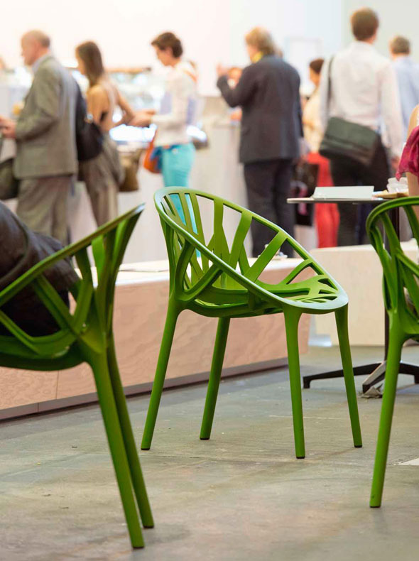 Vegetal chairs, Bistro Tables  Photographer: Eduardo Perez © Vitra