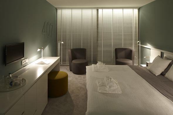 cor ovo 27108. Black Bedroom Furniture Sets. Home Design Ideas