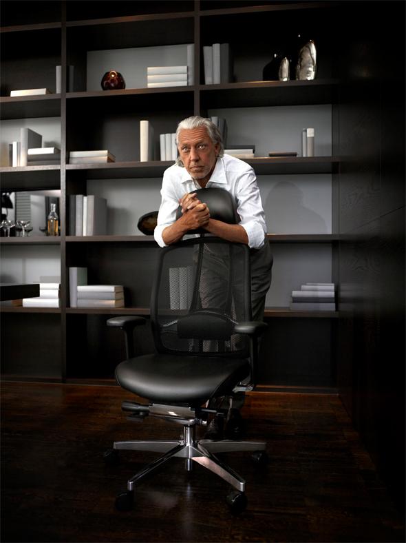 Wir zeigen Ihnen Dynamik im Büro von ihrer angenehmsten Seite: Der WAGNER Bürostuhl AluMedic®.