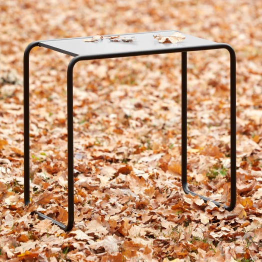 Tisch B9 – Thonet All Seasons.