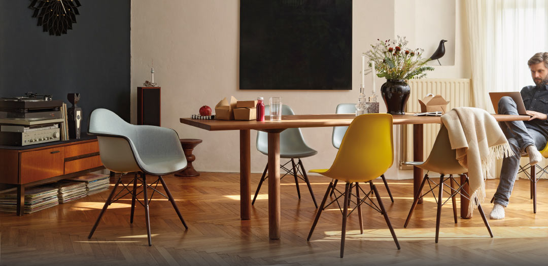 Eames Plastic Chairs – DAW, DSW – Vitra.