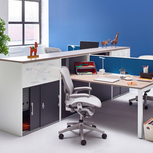 Aeron remastered AER1VPR Herman Miller