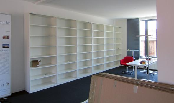 neuer Stauraum für das neue Büro