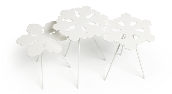 Snowflakes Table von OFFECCT