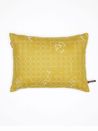vitra kissen maharam layers vineyard ochre white. Black Bedroom Furniture Sets. Home Design Ideas