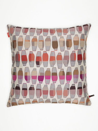 vitra kissen maharam vases berry produktdetails. Black Bedroom Furniture Sets. Home Design Ideas