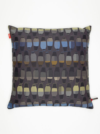 vitra kissen maharam repeat classic houndstooth cocoa. Black Bedroom Furniture Sets. Home Design Ideas