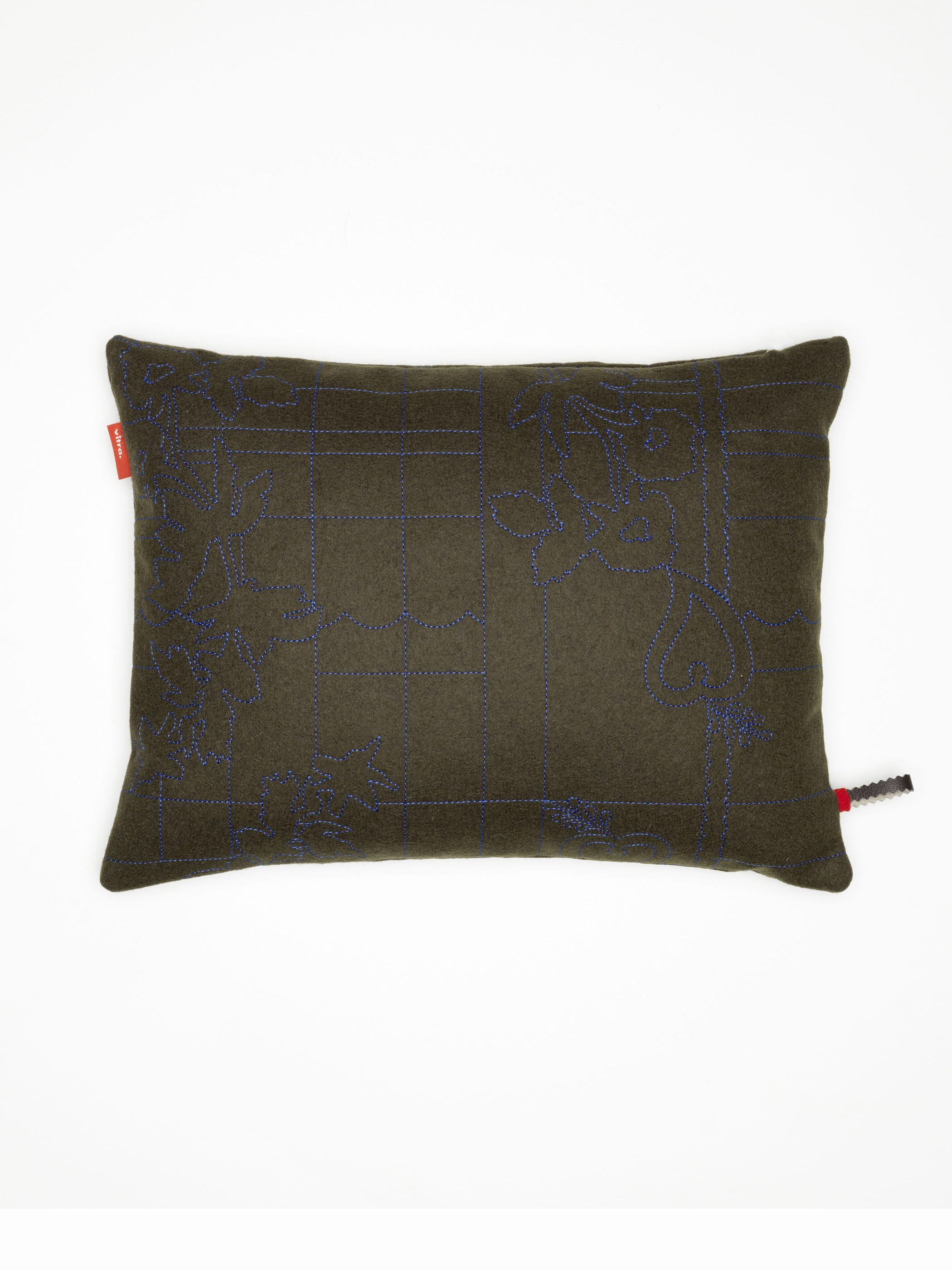 vitra kissen maharam layers park earth cobalt produktdetails. Black Bedroom Furniture Sets. Home Design Ideas