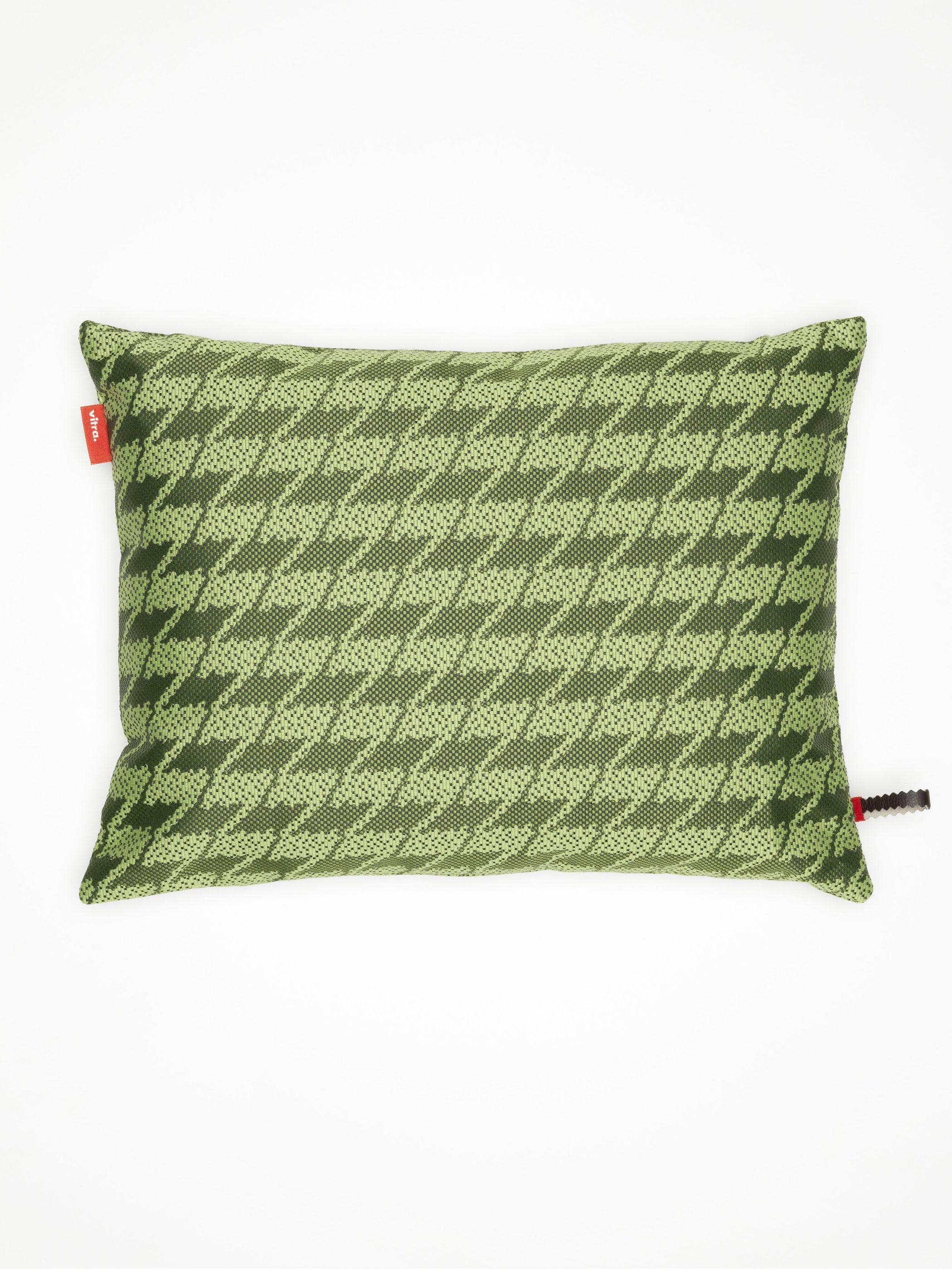 vitra kissen maharam repeat classic houndstooth moss produktdetails. Black Bedroom Furniture Sets. Home Design Ideas